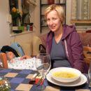 Filip in Nataška med božično večerjo.