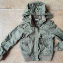 HM prehodna jaknica olivno zelene barve vel. 134 ali 8-9 let