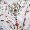 verižico z rožico - na sredini mi je podarila prijateljica (2006)