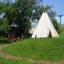 Tu živijo indijanci iz plemena Waldorf.