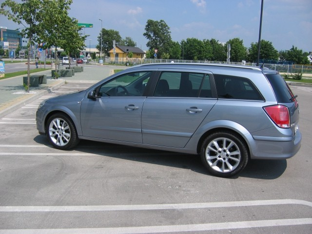 Opel Astra - foto