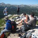 Praženje mandljev in lešnikov ter tolmačenje o Cianidu,  na vrhu Tičarice.