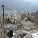 Vrh Kopitnika je precej skalnat in odprt