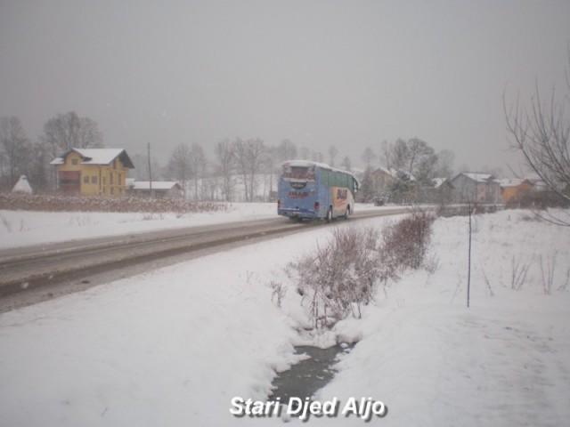 Autobusi - foto