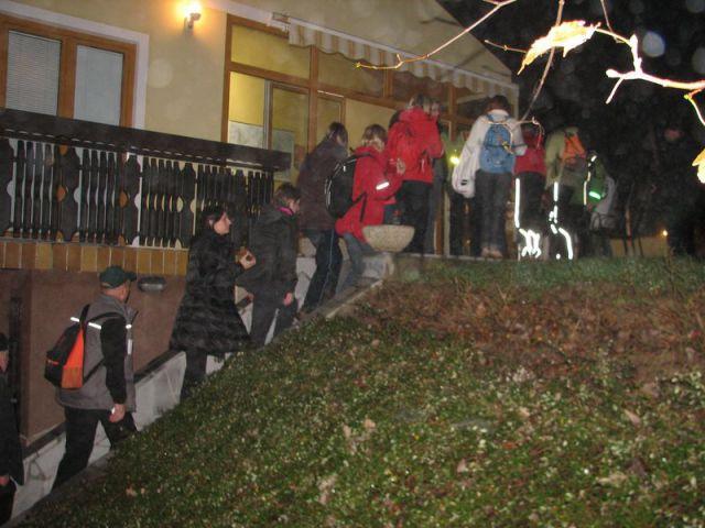Pohod ob polni luni na Zavrh 20. nov.2010 - foto